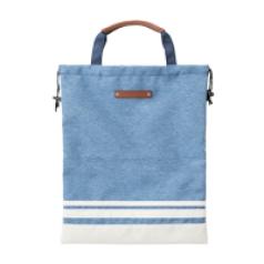 Shoes Bag TDSB-1670の商品画像 巾着の様に縛って収納。持ち手も付いて使い勝手が良い袋型のシューズケース。ファスナーポケット付きで小物の収納もできます。